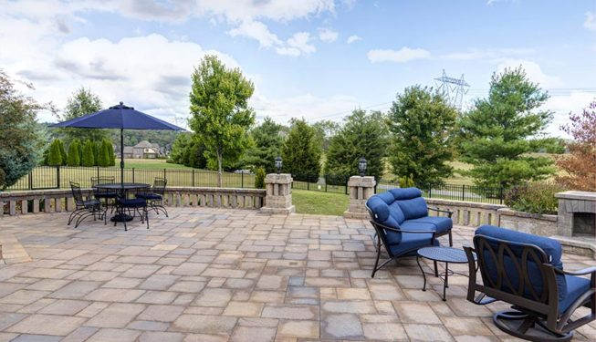 Outdoor Living Space 5